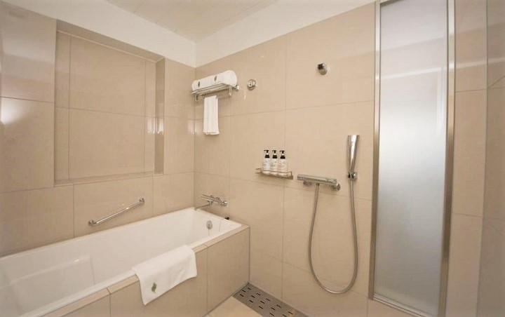 ホテルオリオンモトブ リゾート&スパ バスルーム