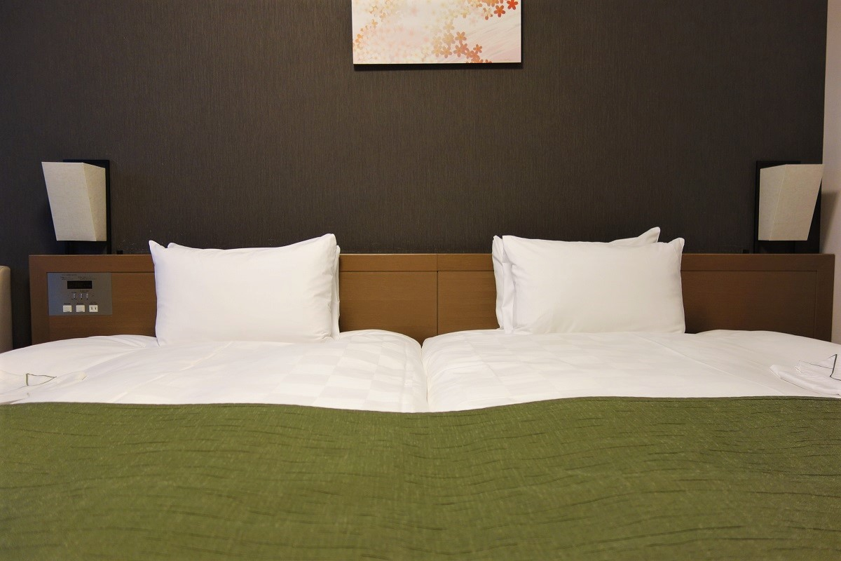 ダイワロイネット 四条烏丸 ベッド